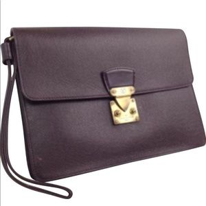 Authentic Louis Vuitton medium  Cluth Unisex